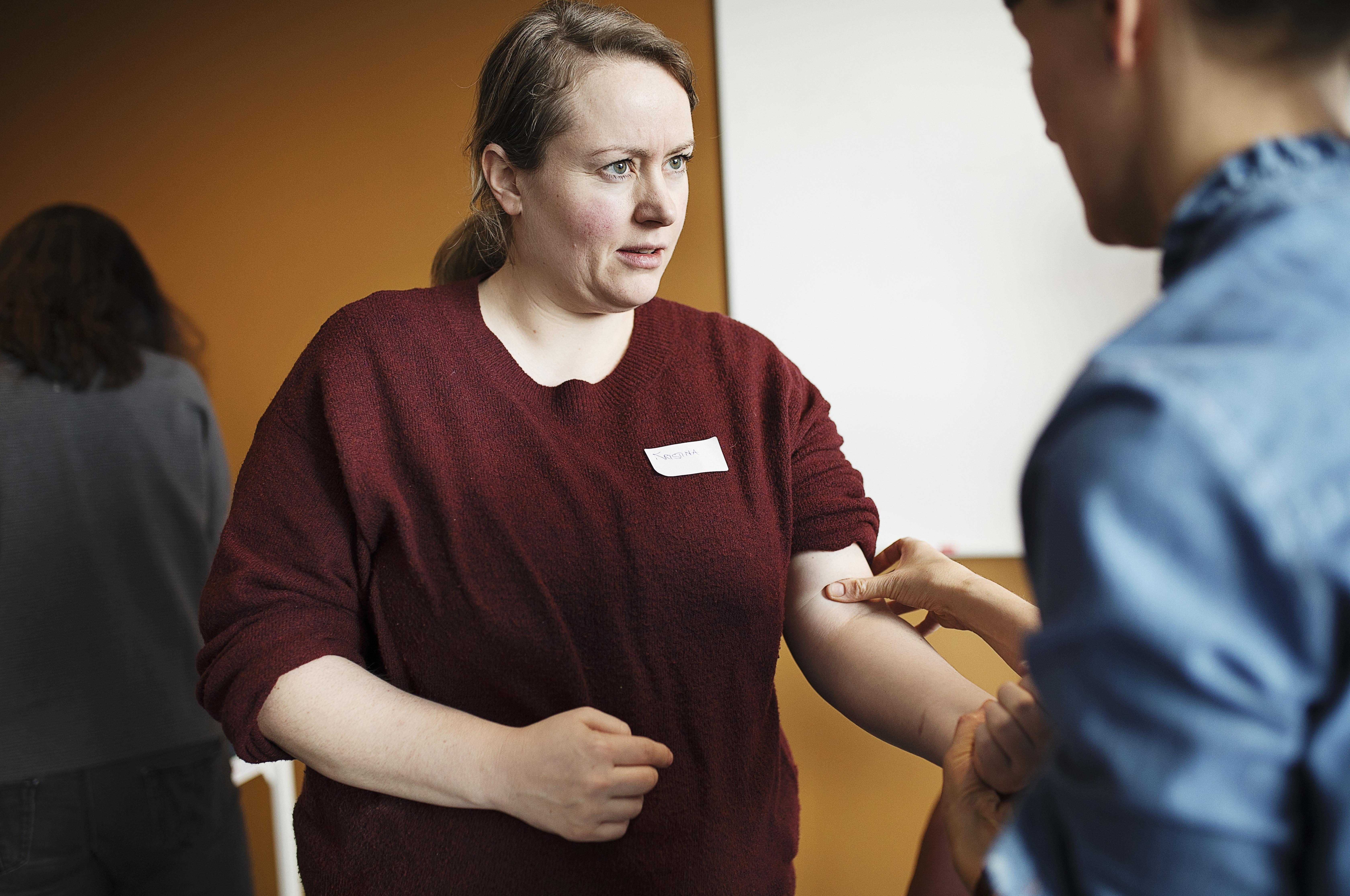Kristina Buch Dixen er glad for at kunne møde andre håndterapeuter på kurset og få udvekslet erfaringer.
