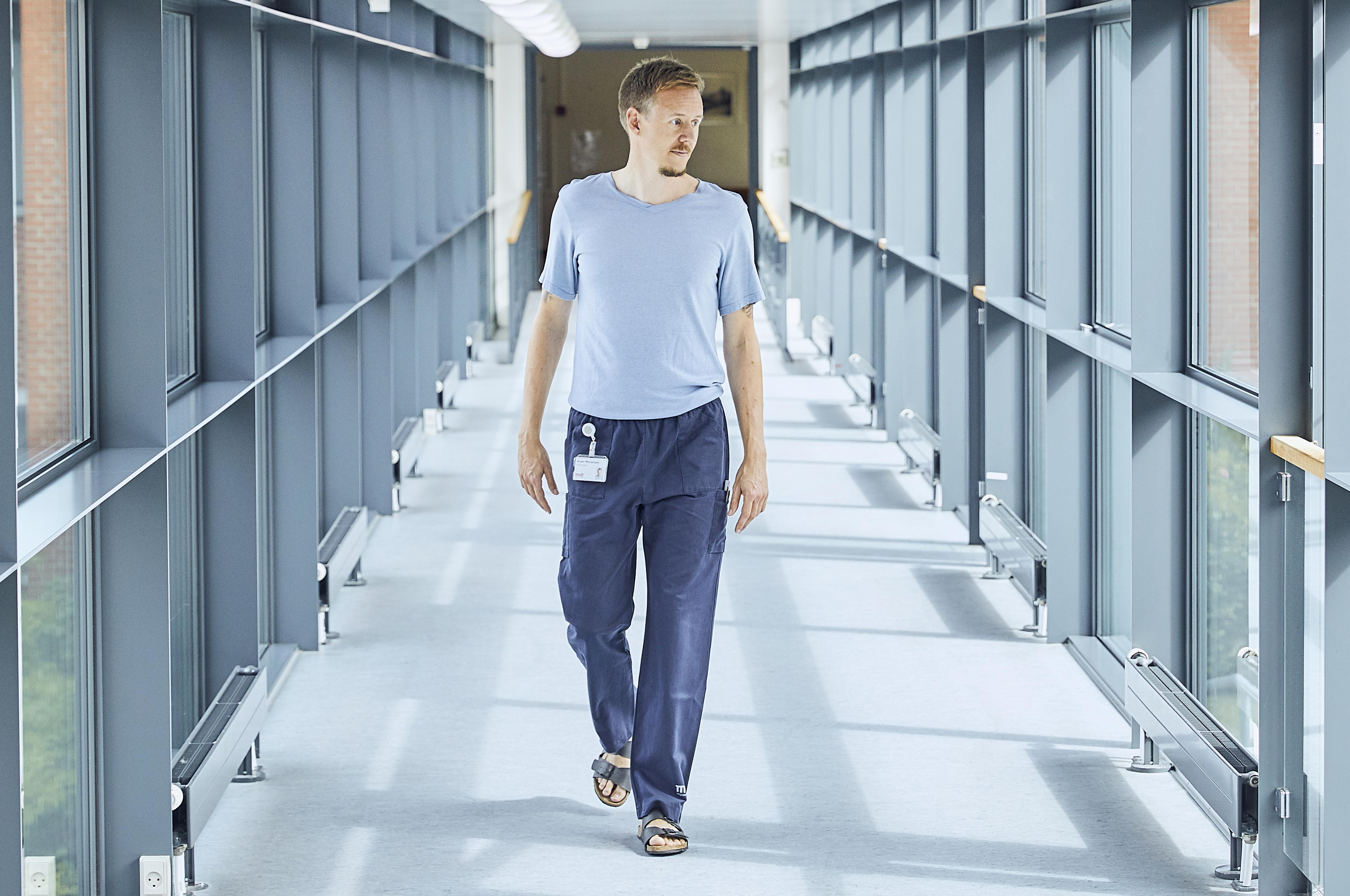 Jesper Mortensen er halvtidsforsker og halvtidsergoterapeut på Regionshospitalet Hammel Neurocenter.