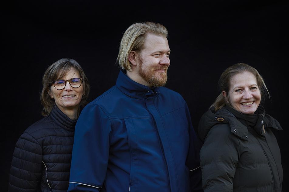 Henriette Carlsen (tv) og Jesper Bjerregaard Danielsen har sammen med den øvrige tovholdergruppe været bindeled til praksis, mens Lise Johanne Rathje (th) som projektleder har sørget for fremdrift i projektet.