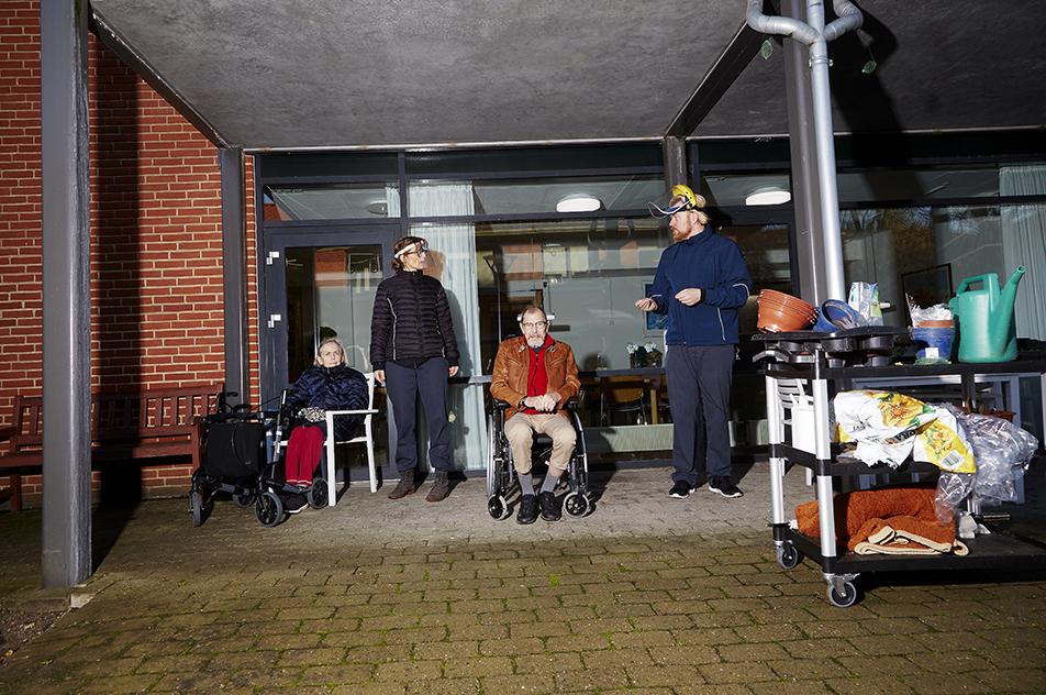Der skal også være tid til en velfortjent kaffepause: Fra venstre er det Inga, Henriette, Willy og Jesper.