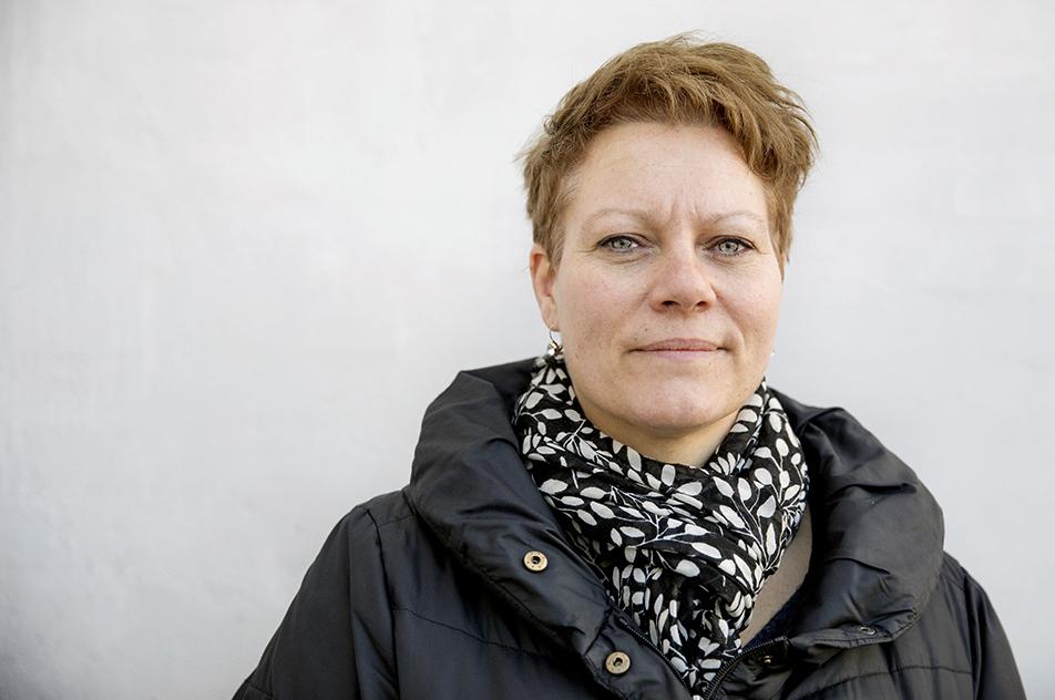 Ergoterapeut Heidi Stener Larsen fik gåsehud, da hun blev præsenteret for den nye teknologi. - Vores mål er at støtte beboerne til at leve et så selvstændigt liv som muligt, og det er lige præcis det, de talende skilte kan hjælpe med, siger hun.