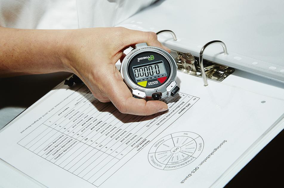 OCS tager omkring 20 minutter at udføre plus cirka det samme til at beskrive udfaldet.