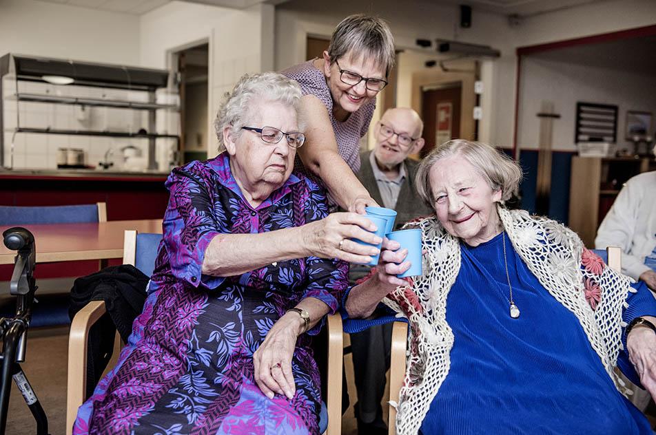"""Det store ældrepolitiske slogan 'Længst muligt i eget hjem' bør vige pladsen for 'Flyt i tide', hvis man vil forebygge og bremse udviklingen af demenssygdomme, mener initiativtager til """"Byen for Livet""""."""