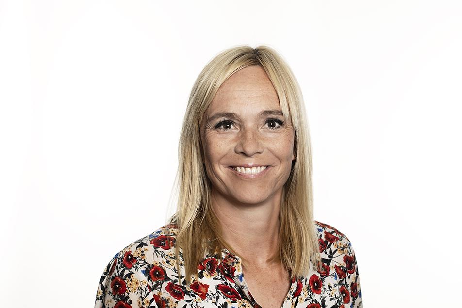 Den kortere indlæggelsestid på sygehusene betyder, at det har været nødvendigt at skærpe fagligheden for de faggrupper, som arbejder med genoptræning ude i kommunerne, fortæller Lotte Hemmingsen, der er forløbschef i Ældre- og Handicapforvaltningen i Odense Kommune.