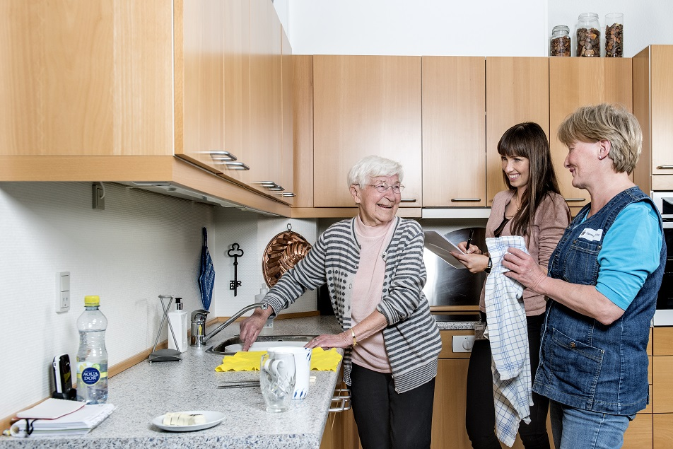 Grethe Hansen har også som mål at klare sin egen opvask.