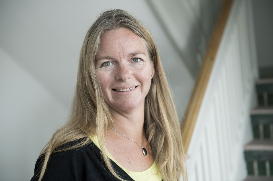 Ergoterapeut Jeanette Kristensen følger som konsulent i teamet de handicappede børn i opvæksten og har tæt kontakt til deres familier. Sammen med børne- og familiepsykolog Kirstine Nielsen kører hun de nye forløb for børnenes søskende.