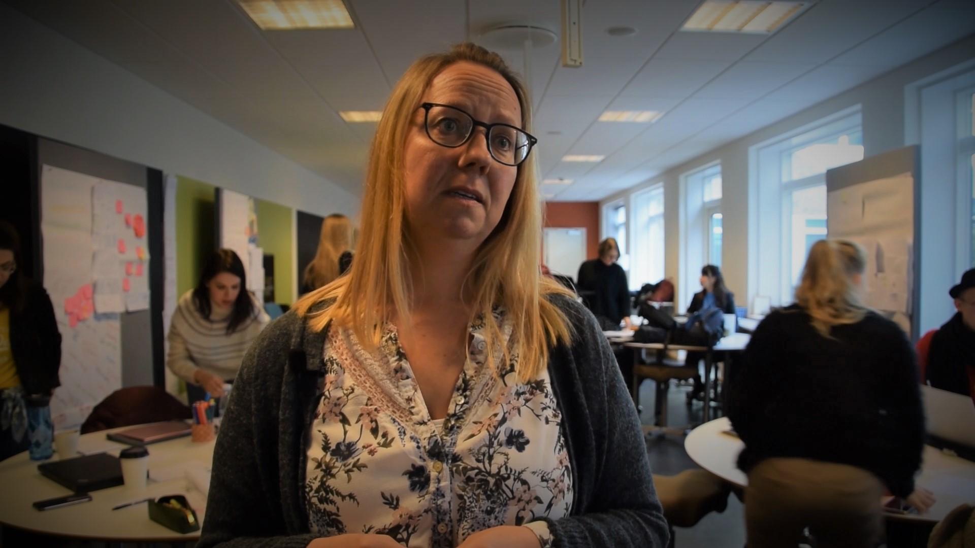 """Jonna Hjortkær ergoterapeutstuderende på UCN fik på Nordplus-kurset udvidet sit perspektiv for, hvad """"socialt udsatte"""" dækker over."""
