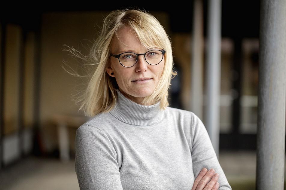 Lone Bech er ansat på ph. Absalon, men det sidste års tid har hun lagt 40% af sine arbejdstimer i Køge Kommune, hvor hun i et strategisk samarbejde bl.a. skal at finde ud af, hvordan ergoterapeuterne i kommunen kan bruge deres faglighed og kompetencer dér, hvor det giver mest mening.