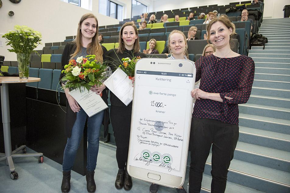 Etf's bachelorpris gik dette forår til Canna Rosell Worsøe, Marie Brunsgaard Laursen og Nora Köhler fra VIA University College, Aarhus, for et projekt om plejehjems fællesrum.