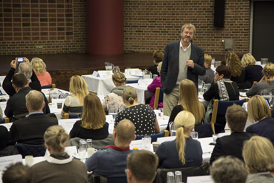 Ove Kaj Pedersen taler på årets lederkonference i Odense
