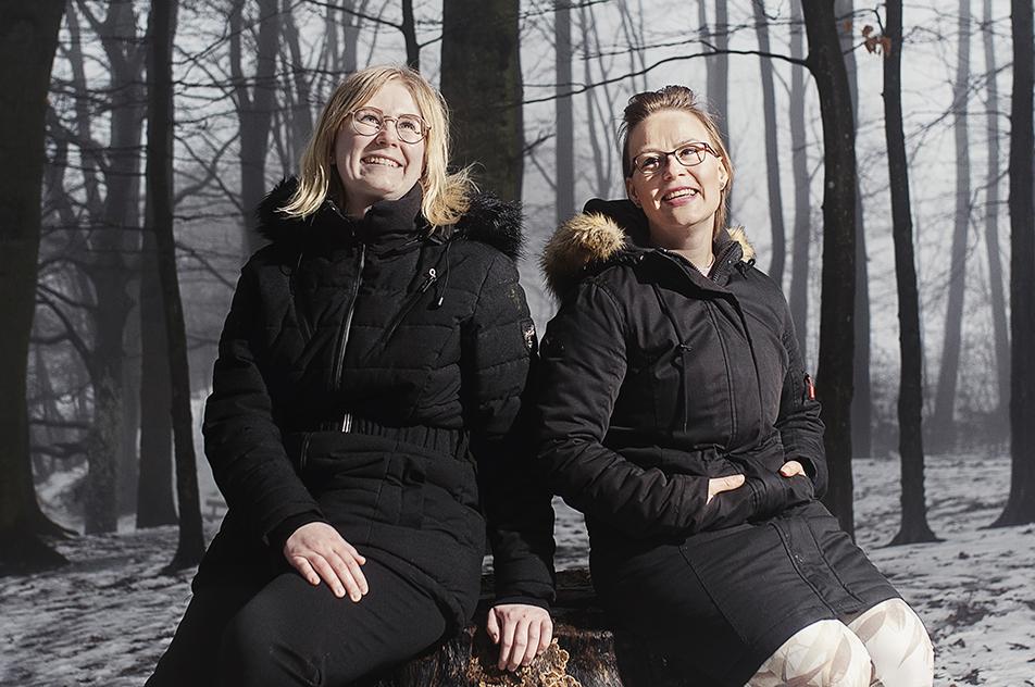 De to ergoterapeutstuderende Line Bredkjær Larsen og Maria Kristine Julie Pedersen blev overraskede over, hvor stor betydning en simpel genstand som et billede kan have.